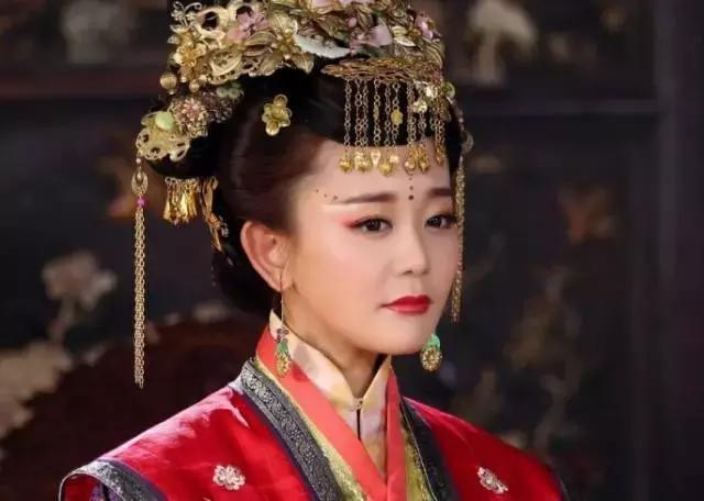 历史上的万贞儿画像,最有魅力的女人:万贞儿(活到极致的女人系列)