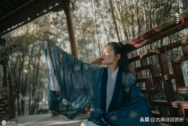 水调歌头,苏轼在黄州的一首《水调歌头》,豪迈之情不亚于那首寄子由