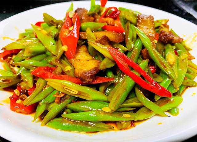 【回锅肉炒四季豆】的做法+配方,回锅肉和四季豆这样炒回味无穷