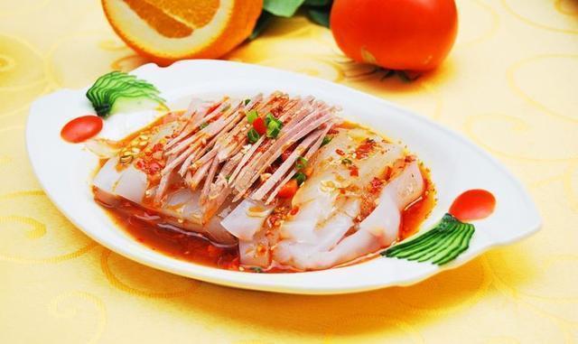 美食推荐:豆腐烧金针菇、金花菇脆、凉拌酱汁豆角、肉丝拌粉皮