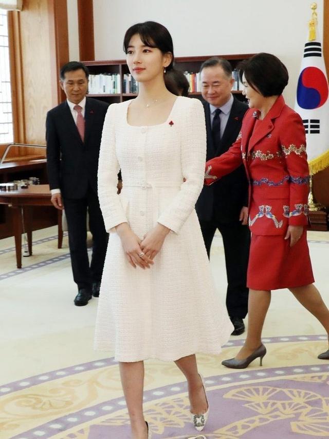 """韩漫崔秀智,""""国民初恋""""裴秀智,6次挑战""""显胖""""白衣造型,瘦了就是好看"""