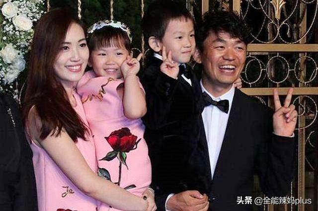 王宝强离婚后,儿子跟爸女儿跟妈,4年后俩孩子的差距明显