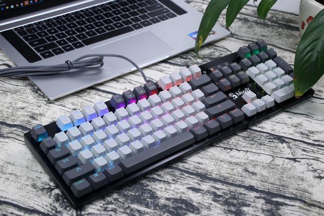 炫影狂鯊鍵盤,DIY游戲機械鍵盤:血手幽靈B770R體驗,好玩更好用
