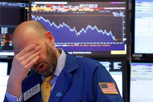 美国股市再暴跌,美国股市狂跌近万点,GDP会不会受影响呢?