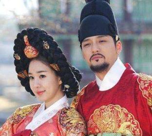 朝鮮中宗后宮,中國有四大妖姬,朝鮮有三大妖婦,她們嫩肩怎堪擔起禍國亂政之罪
