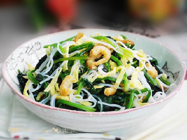桌上一道三彩菠菜,糖尿病友吃得满足健康