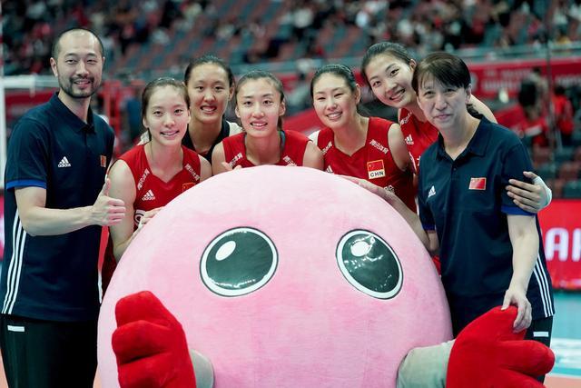 必杀足球-中国女排,她在排超联赛上